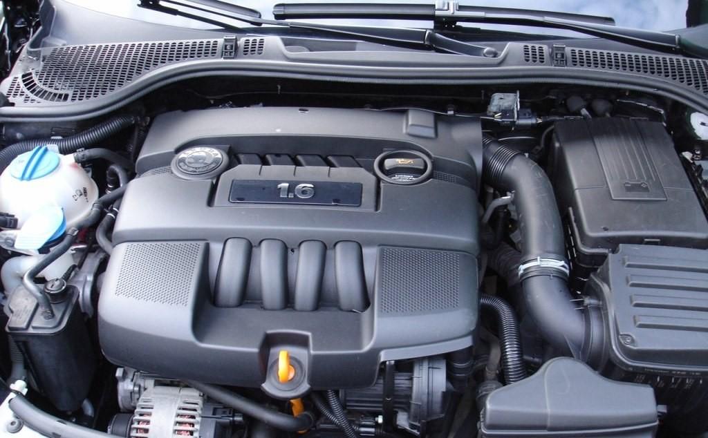 Какими двигателями комплектуется октавия3