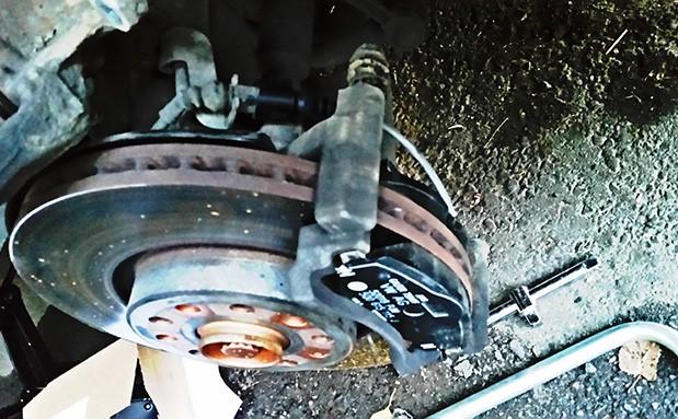 Замена передних тормозных колодок на шкода октавия а5 своими руками 95